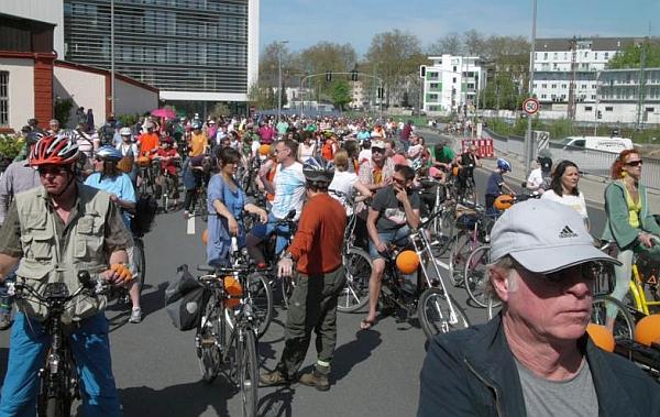 Treffen von Critical Mass am Fürstenplatz