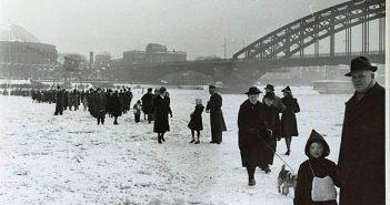 Eisschollen: Der zugefrorene Rhein