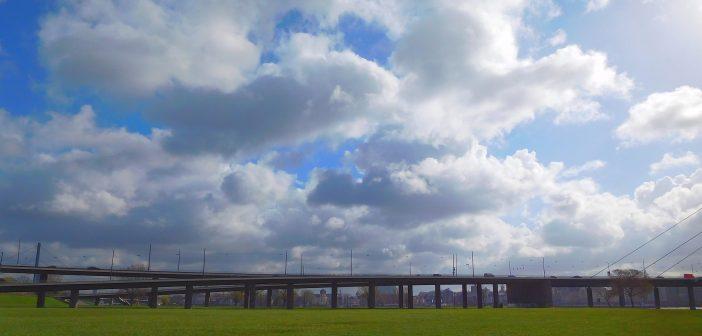 Linksrheinische Rampe der Rheinkniebrücke