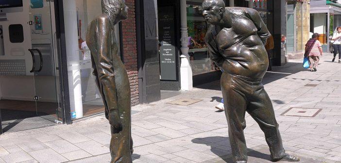 Die Streitenden in der Düsseldorfer Altstadt