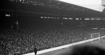 Liverpool, Anfield Road, The Kop anno 1983