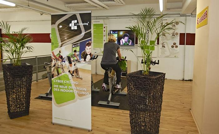 Trainieren an Geräten - hier Cyber-Cycling