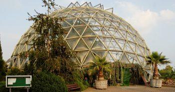Kuppelgewächshaus im Botanischen Garten (via Wikimedia)