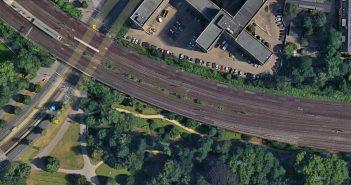 Volksgarten: Hier soll für den RRX ein Stück weggenommen werden (Foto: Google Maps)