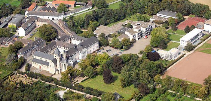 Das Kloster Knechtsteden - Ausgangspunkt für eine Waldwanderung