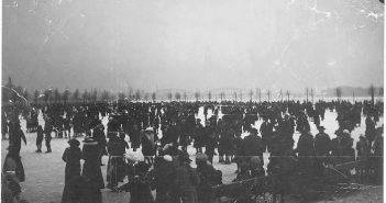 Der zugefrorene Rhein 1942 (Foto: Stadtarchiv Düsseldorf)