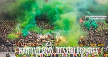 Dynamo-Army: Krieg dem DFB (Foto: Supporters Karlsruhe)