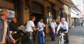 Thea Ungermann und das E-Bike (August 2011)
