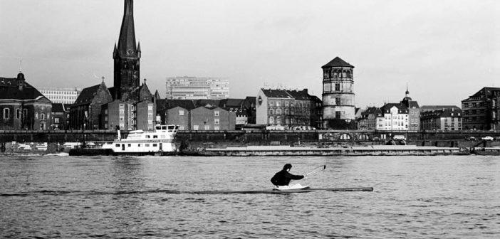 BdW32: Ruderer auf dem Rhein
