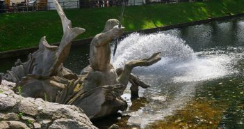 Vielleicht der berühmteste: der Tritonenbrunnen an der Kö