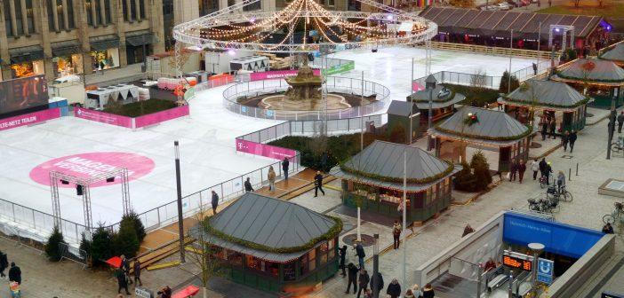 Blick aus der Mayerschen an der Kö auf den Corneliusplatz