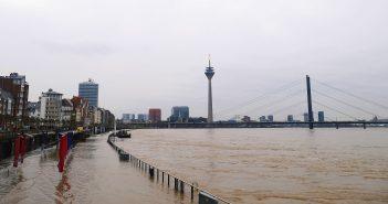 Panorama mit viel Hochwasser