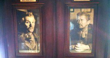 Zwei Fotos von ihm in der Müller-Schlösser-Stube im Uerige