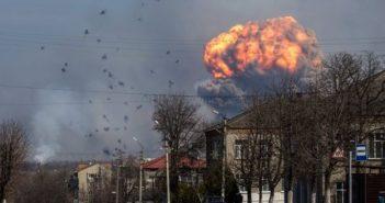 Explosion eines Munitionsdepots (Symbolfoto; Quelle BBC)