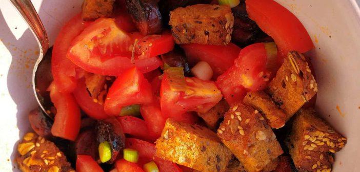RdW: Sommerlich-frischer Tomaten-Brot-Salat