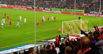 F95 vs Leverkusen: Hennings knallt den Elfer rein