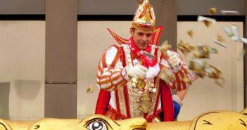 Rosenmontag 2019: Kamelle, dä Prinz kütt