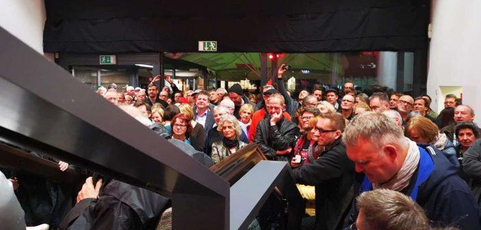 Das Publikum lauscht ergriffen (Foto: TD)