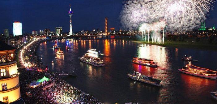 Schifffahrt zum Japan-Feuerwerk (Quelle: düsseldorf tourismus)