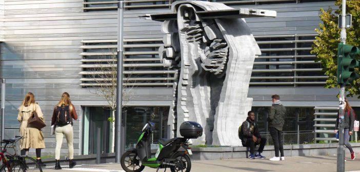 Hochschule Düsseldorf, Eingang Münsterstraße (eigenes Foto)