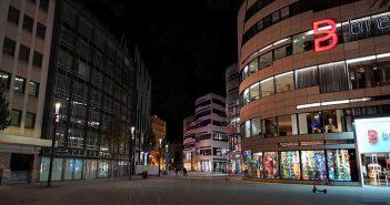 Joachim-Erwin-Platz, nachts