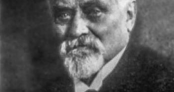 August Bagel auf einem Foto unbekannten Datums