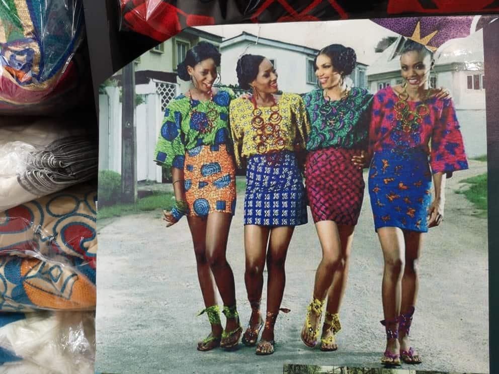 Beispiele für die wunderbaren afrikanischen Stoffe (eigenes Foto)