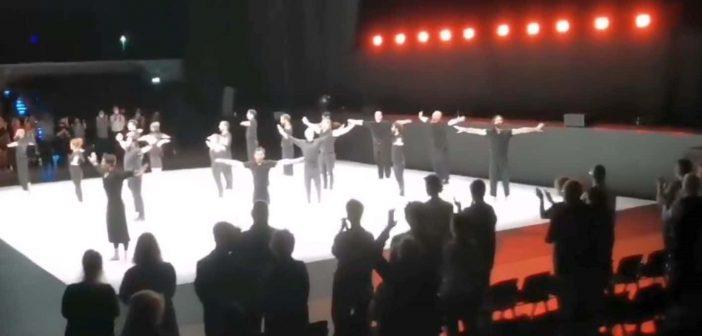 Düsseldorf Festival 2020 in der Mitsubishi-Electric-Halle - Schlussapplaus am 12.9.20 (Screenshot: dusfest)